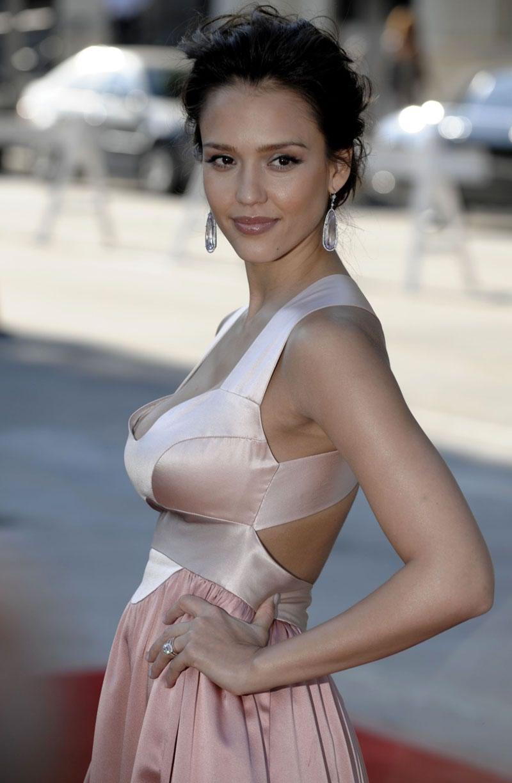 Jessica Alba chirurgie esthétique