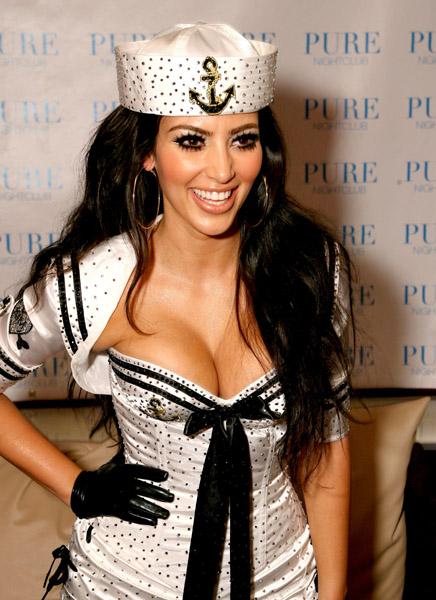 Kim Kardashian With Pussy Cat Dolls 103